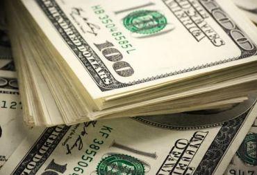 الدولار الأمريكي يسجل أكبر انخفاض شهري منذ 2010