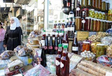 في الأسواق.. التسعيرة المعلنة بالليرة والسعر الحقيقي حسب سعر الصرف في السوق الموازي؟!..