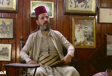 الحكواتي.. شخصية تراثية دمشقية قديمة لا زالت تضج بالحياة في مقهى النوفرة (فيديو)