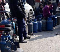 """بازار """"السوق السوداء"""" يرفع اسطوانة الغاز إلى 17 ألف.. وتصريحات حكومية خجولة"""