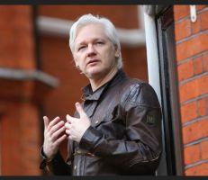 الشرطة البريطانية تعتقل جوليان أسانج في سفارة الإكوادور
