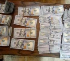 سرقة أكثر من 100 ألف دولار أمريكي من سيارة خاصة مركونة بدمشق .