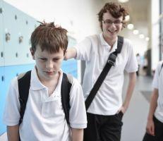 دراسة: التنمر بالمدراس يعرض الأطفال للمشاكل العقلية والبطالة في مرحلة الشباب