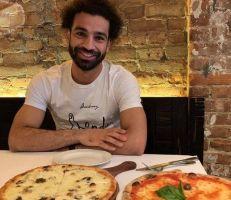 محمد صلاح  وصورة البيتزا  تقلق جماهير ليفربول