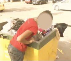 في اللاذقية أطفال يعيشون على النفايات (فيديو)