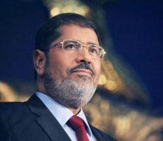 """وفاة """"محمد مرسي"""" بنوبة قلبية خلال جلسة محاكمته"""