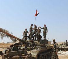 """بعد """"مدايا"""" الجيش يحرر """"تل الأرجحي"""" في ريف إدلب"""