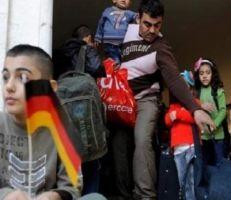 ألمانيا تلوِّح بسحب إقامات اللاجئين السوريين في حال زيارتهم بلدهم