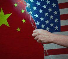 """ترامب أنا """"المختار"""" للحرب التجارية مع الصين"""