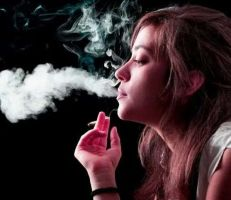 دراسة: التدخين مرتبط بشيخوخة الوجه