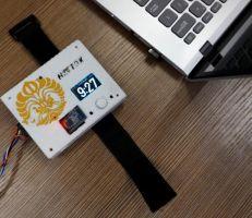 الإندونيسيون يخترعون جهازاً لمساعدة مدمني الإنترنت