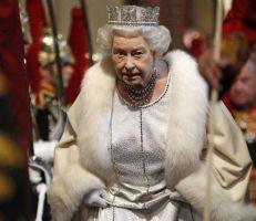 الملكة إليزابيث الثانية تستغني عن الفرو الحقيقي