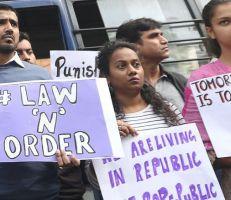 الشرطة الهندية: أربعة رجال يعترفون بالاغتصاب الجماعي لامرأة أحرقوها فيما بعد وهي على قيد الحياة  (صورة)