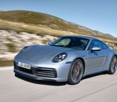 بورش 911 2020: بورش تحسن أداء أيقونة السيارات الرياضية مع إضافة ميزات الأمان والاتصال (صور)