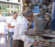 أعضاء من مجلس محافظة دمشق يسرقون كميات من الغاز من سيارات المحافظات