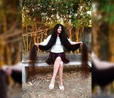 """""""طول شعرها 190 سنتيمترا"""" مراهقة هندية صاحبة أطول شعر في العالم (صور)"""