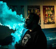 في حملة على السجائر الإلكترونية: نيوزيلنده تفرض قيوداُ تخص العمر والإعلانات