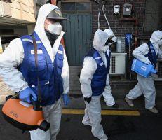 تزايد المخاوف من انتشار فيروس كورونا مع تزايد الإصابات خارج الصين