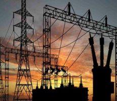 """""""الكهرباء"""" التزام المواطنين في المنازل زاد من استهلاك الكهرباء"""