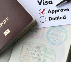 الإمارات تمدد تعليق دخول حاملي التأشيرات الصالحة في الخارج لأسبوعين