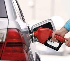 شركة محروقات: استهلاك البنزين انخفض حالياً إلى النصف بعد حظر التجول ومنع التنقل بين الأرياف والمدن
