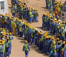 قطر تستغل أزمة كورونا لطرد عمال مهاجرين