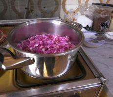 مربى الورد .. حوَّل الورد الجوري إلى عنصر غذائي تنفرد به حلب (فيديو)