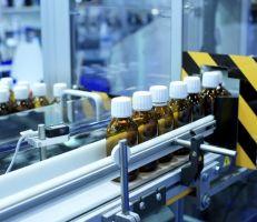 الصناعات الدوائية على حافة الهاوية .. فما هي الأسباب والحلول؟