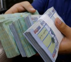 انخفاض الليرة اللبنانية إلى مستوى قياسي جديد مقابل الدولار اليوم
