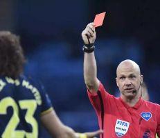 بطاقة حمراء للسعال المتعمد في كرة القدم