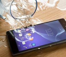 كيف تنقذ هاتفك الذكي إذا وقع منك في الماء؟!..