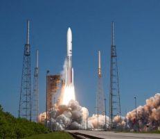 سبيس إكس ويونايتد لنش ألاينس تفوز بعقود طويلة الأمد مع البنتاغون لإطلاق الصواريخ إلى الفضاء
