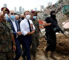 الرئيس الفرنسي ماكرون يدعو لتشكيل حكومة تكنوقراط لإنقاذ لبنان