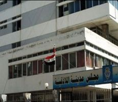 مجلس محافظة اللاذقية يطالب بمعالجة أزمة البنزين وازدحام الأفران