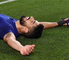 انتهت الرحلة | بـ13 لقبًا.. لويس سواريز يودع برشلونة في سيناريو درامي