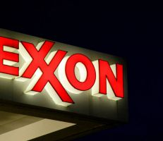 «إكسون موبيل» الأمريكية تسجل ثالث خسارة فصلية على التوالي وتعلن عن تفاصيل لخفض الإنفاق