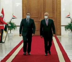 مصر ستنفذ مشروعات إعادة إعمار في العراق مقابل النفط
