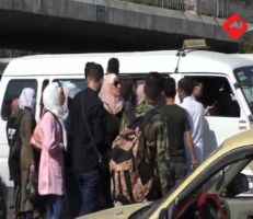 معاناة المواطنين مع أزمة النقل .. والحكومة أذن من طين وأذن من عجين (فيديو)