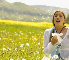 طبيب يكشف طرق علاج الحساسية الموسمية