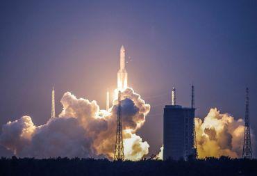 موعد سقوط أجزاء من الصاروخ الفضائي الصيني على الأرض