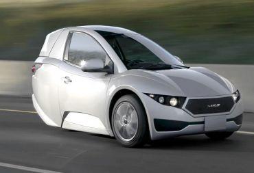 سولو: سيارة كهربائية صغيرة بثلاث عجلات تتسع لراكب واحد (صور)