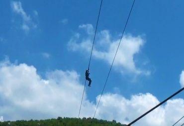 مشروع Zipline في القدموس يستقطب السواح من كل أنحاء سورية (فيديو)
