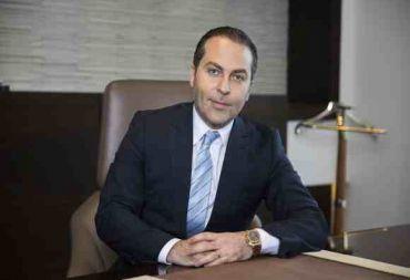 الولايات المتحدة ترفع عقوباتها عن شركتين لرجل الأعمال السوري سامر فوز