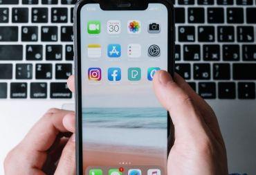 جديد آبل: فئة جديدة من هواتف آيفونبأسعار تقل عن 900$