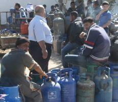 تأخر استلام أسطوانات الغاز في حماة وريفها وسعر الأسطوانة في السوق السوداء يصل لـ13 ألف ليرة