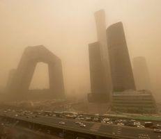 عواصف رملية تضرب العاصمة الصينية بكين (صور)
