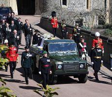 تشييع جثمان الأمير فيليب بحضور الملكة إليزابيث الثانية (صور)