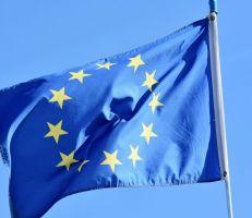 الاتحاد الأوروبي يعتزم السماح بدخول المسافرين الملقحين  إلى دول التكتل