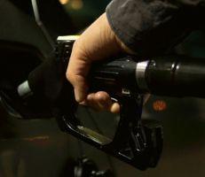 """وزارة النفط تحضر لتوطين 14 محطة وقود """"أوكتان 95"""" على الطرق العامة بين المحافظات"""
