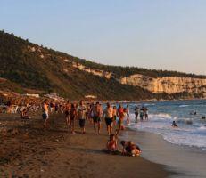 اختيار مواقع شواطئ مفتوحة لذوي الدخل المحدود ... شاطئ نموذجي بأسعار رمزية الشهر القادم